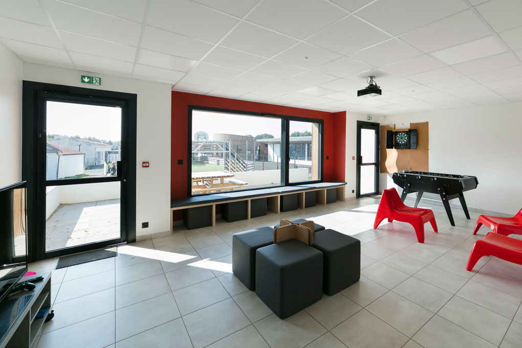 ECOLE_BEAUREPAIRE_FOYER_INTERIEUR2